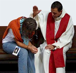 Muchas comuniones y pocas confesiones