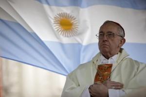 El Papa Francisco – cuando era Cardenal Bergoglio, él se puso muy contento al oír de boca de otro Arzobispo de Argentina, que quería ir a Medjugorje