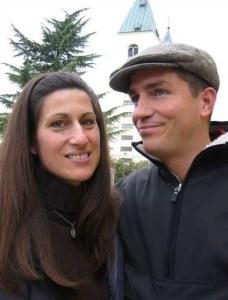 Jim Caviezel y su esposa en Medjugorje