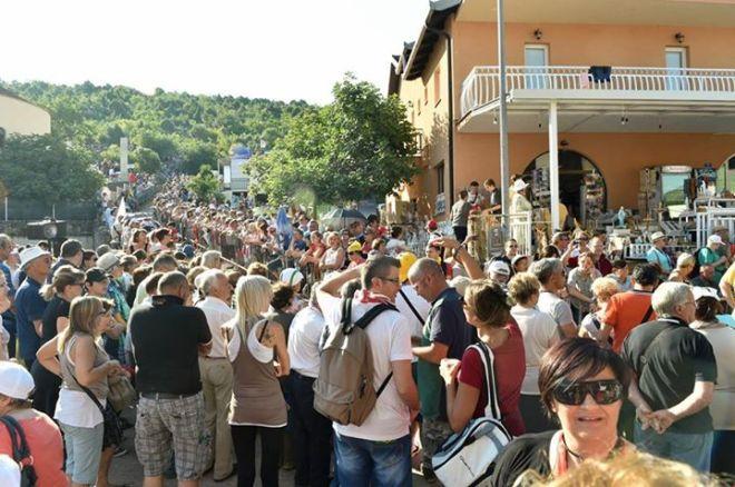 Aparición de la Virgen a Mirjana en Medjugorje el 2 de julio de 2015 - 12