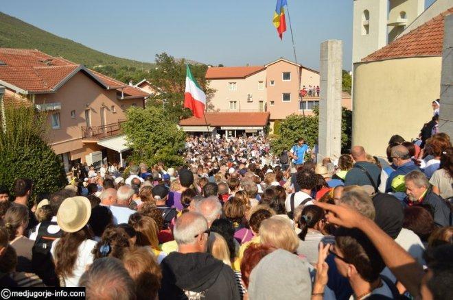 Aparición de la Virgen a Mirjana en Medjugorje el 2 de septiembre de 2015 - 12