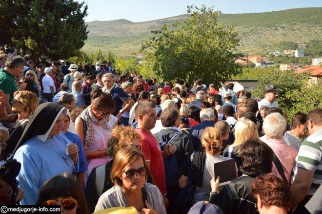 Aparición de la Virgen a Mirjana en Medjugorje el 2 de septiembre de 2015 - 14