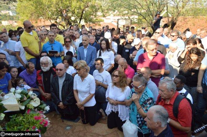 Aparición de la Virgen a Mirjana en Medjugorje el 2 de septiembre de 2015 - 6