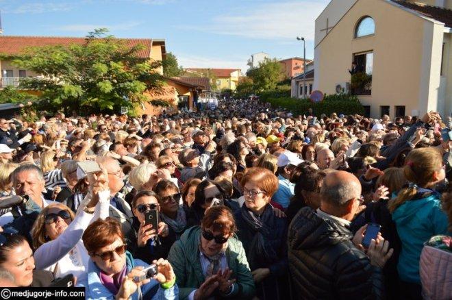 Aparición de la Virgen a MIrjana el 2 de octubre de 2015 en Medjugorje - 1