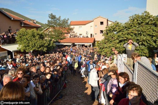 Aparición de la Virgen a MIrjana el 2 de octubre de 2015 en Medjugorje - 2