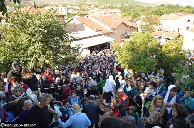 Aparición de la Virgen a MIrjana el 2 de octubre de 2015 en Medjugorje - 3