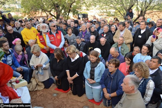 Aparición de la Virgen a MIrjana el 2 de octubre de 2015 en Medjugorje - 7