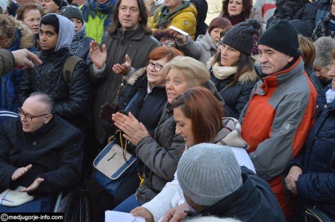 Aparición de la Virgen a Mirjana en Medjugorje el 2 de diciembre de 2015 - 12