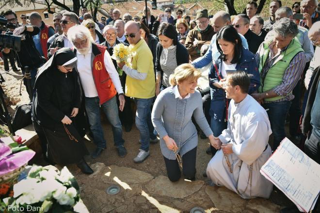 Aparición de la Virgen a Mirjana el 18 de marzo de 2016 en Medjugorje - 8