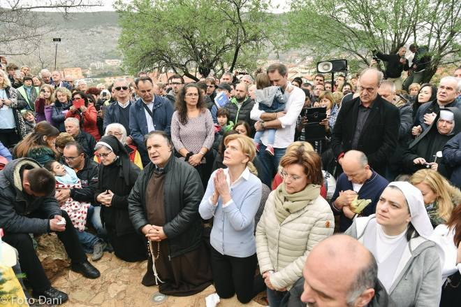 Aparición de la Virgen a Mirjana el 2 de abril de 2016 en Medjugorje - 10