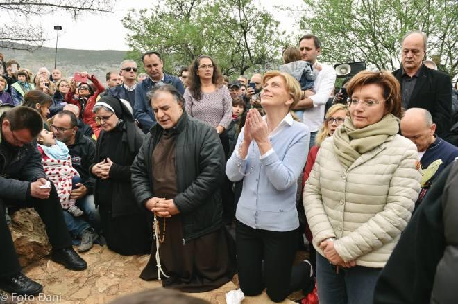 Aparición de la Virgen a Mirjana el 2 de abril de 2016 en Medjugorje - 9
