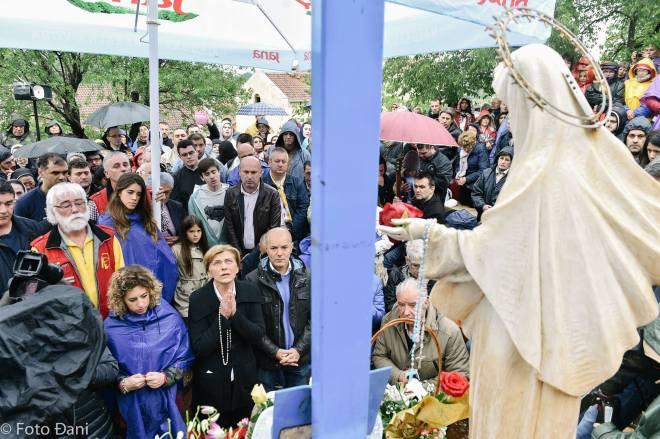 Aparición de la Virgen a Mirjana el 2 de mayo de 2016 en Medjugorje - 13