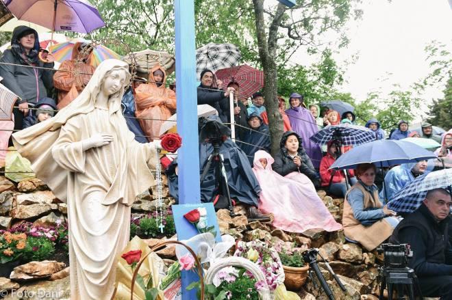Aparición de la Virgen a Mirjana el 2 de mayo de 2016 en Medjugorje - 2