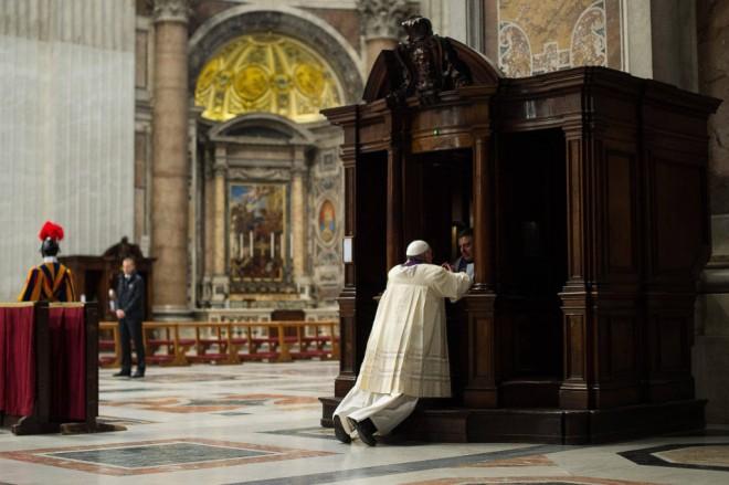 140328_pope-confession_d880e43f383d973491d6ce94a8b8ec4f-1024x682