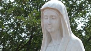 Oración con los videntes en el monte de las apariciones