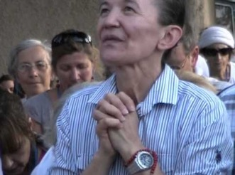 Vicka rezando
